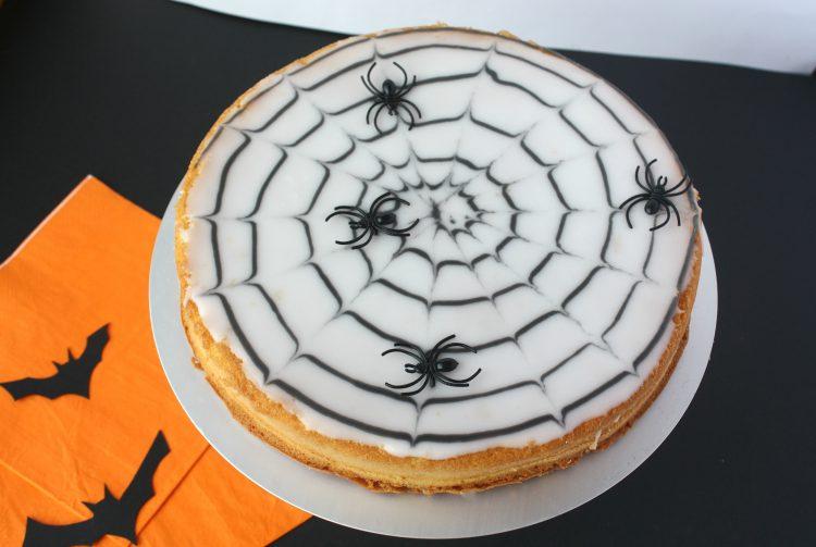 Spindelvevkake til halloween