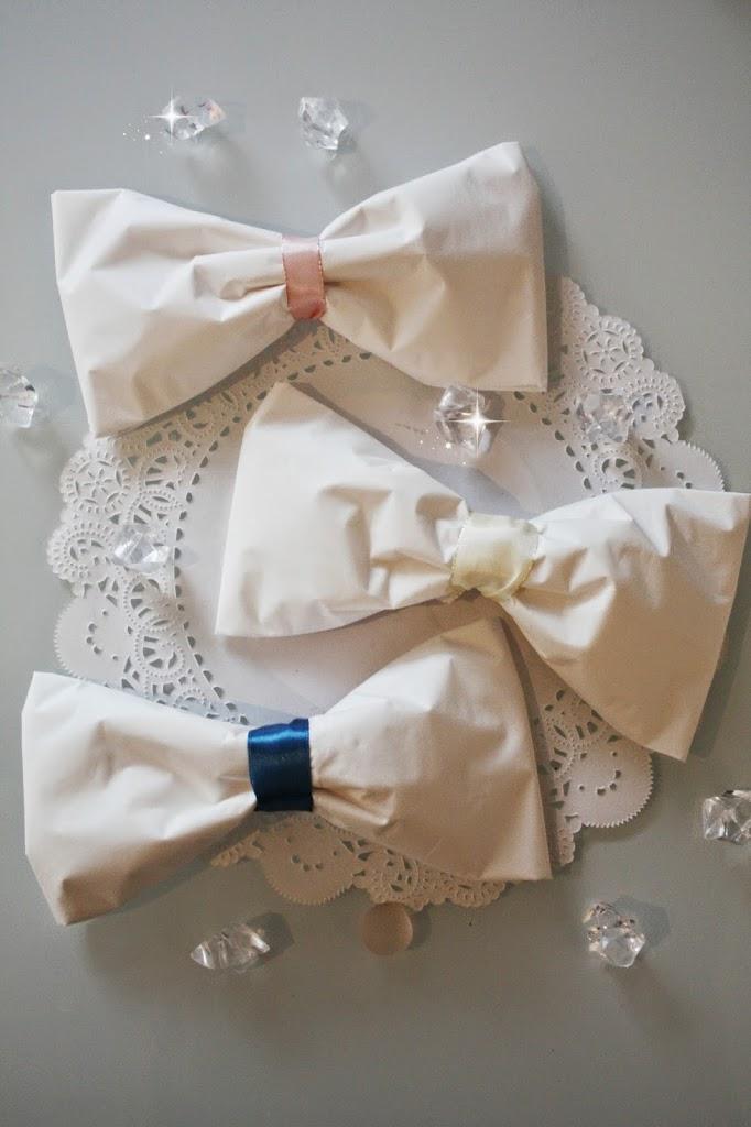 Brett Sløyfe servietter til bryllup, dåp eller konfirmasjon