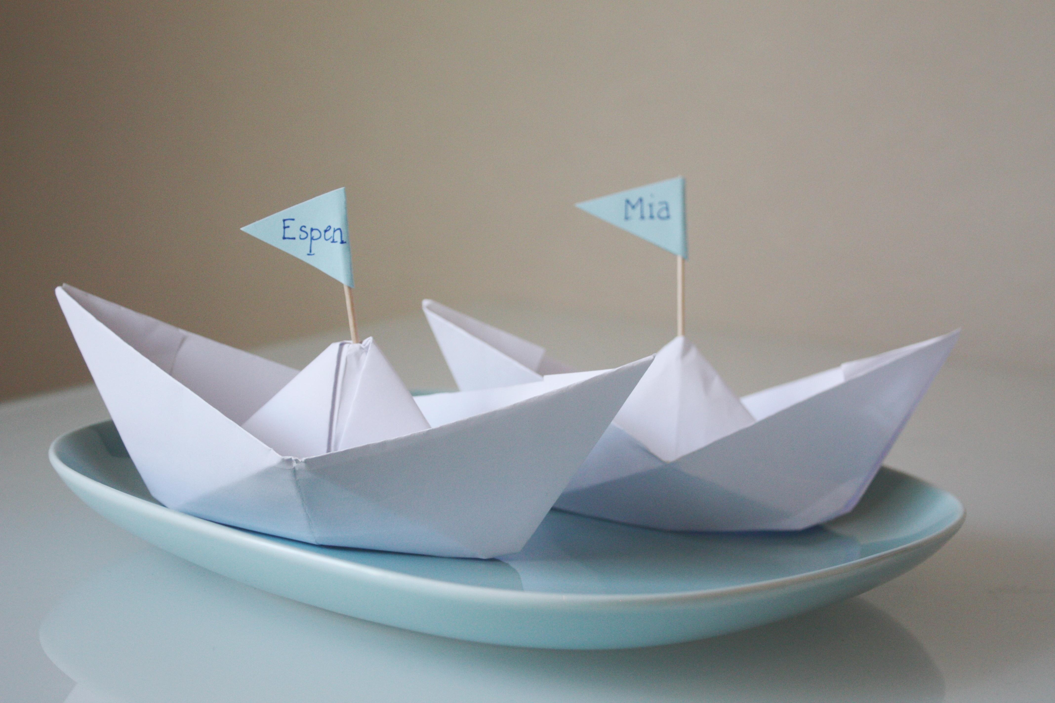 DIY Papirbåt- bordkort