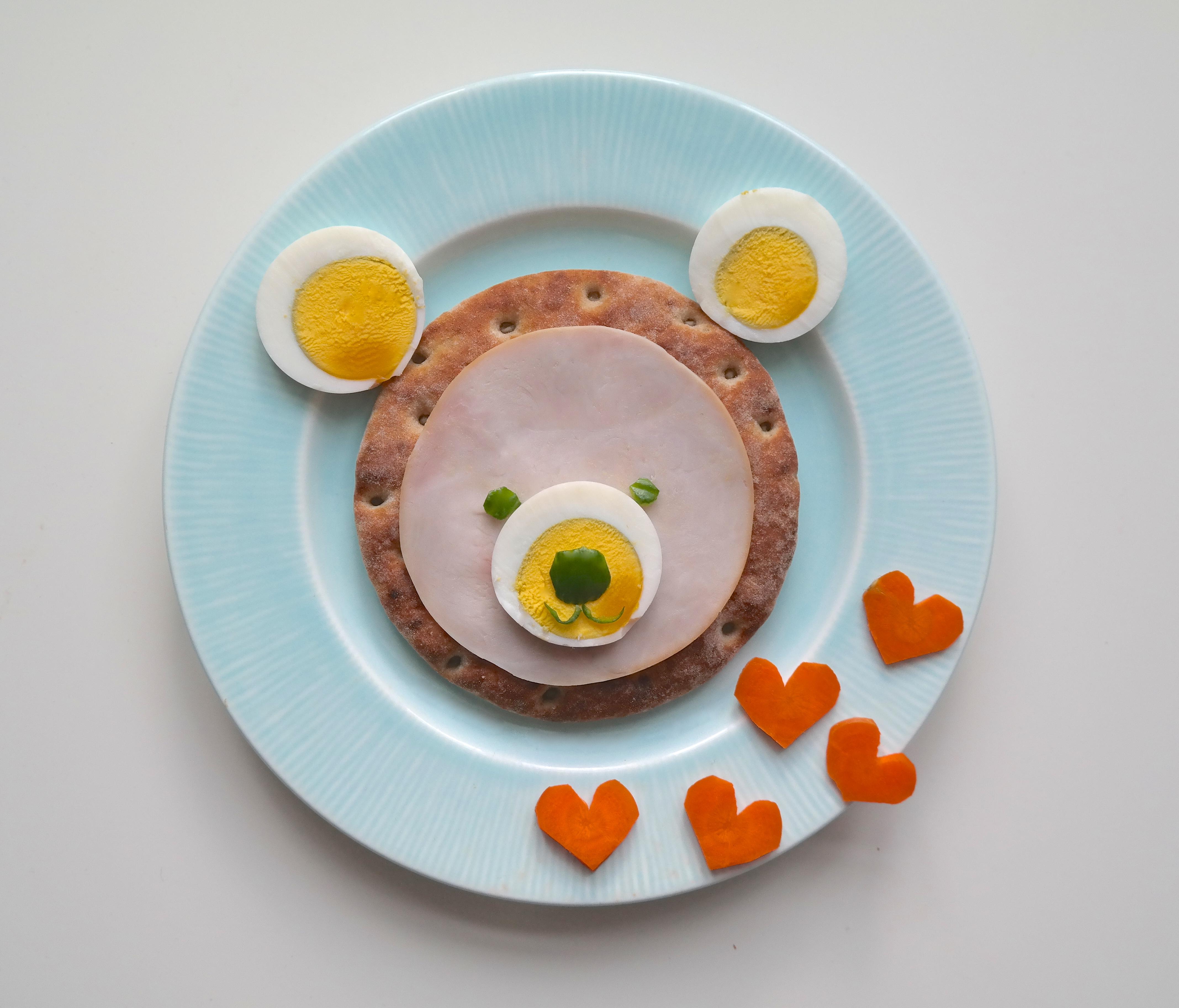 Polarbrød-bamse med egg