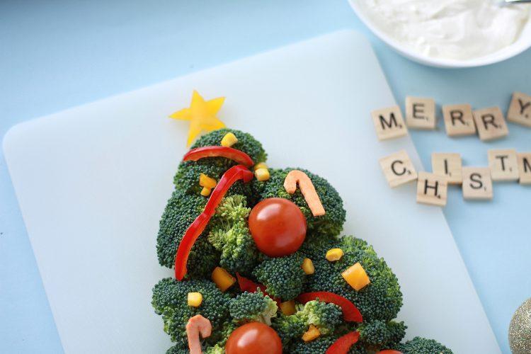 Grønnsaks-juletre med dipp